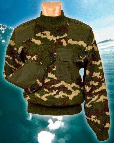 Камуфлированный свитер с накладками Лес